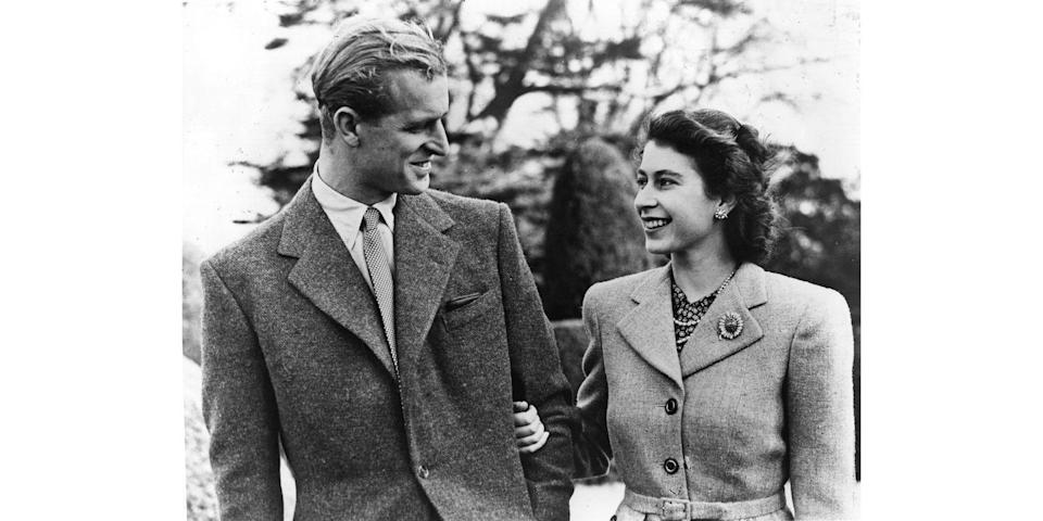 <p>The newlyweds look so in love and full of happiness during their honeymoon at Broadlands, Romsey, Hampshire.</p>