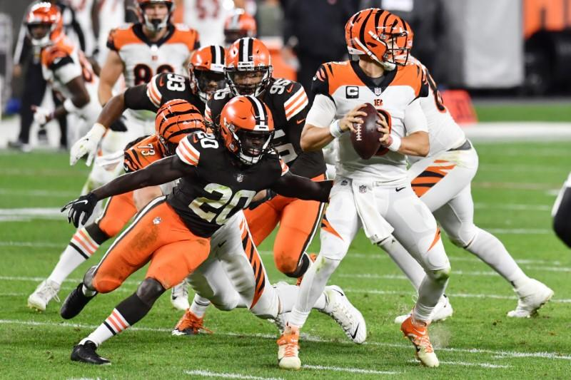 Mayfield, Browns hold off Bengals