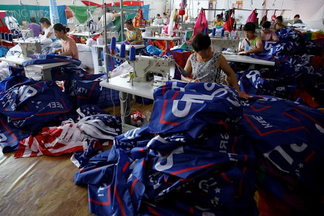 "<p>Workers make flags for U.S. President Donald Trump's ""Keep America Great!"" 2020 re-election campaign at Jiahao flag factory in Fuyang, Anhui province, China July 24, 2018. (Photo: Aly Song/Reuters) </p>"
