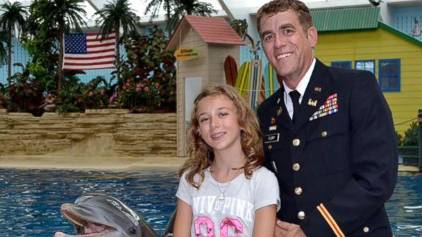PHOTO: Capt. Josh Flury returned home from a 9-month deployment and surprised his 12-year-old daughter, Kristi, at Chicago's Brookfield Zoo. (Chicago Zoological Society)