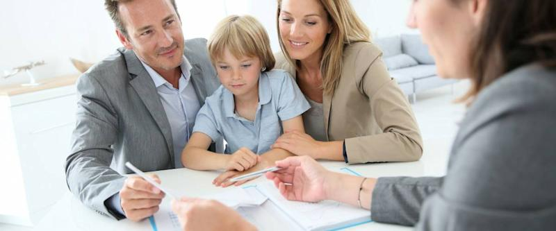 Family meeting advisor to get a personal loan