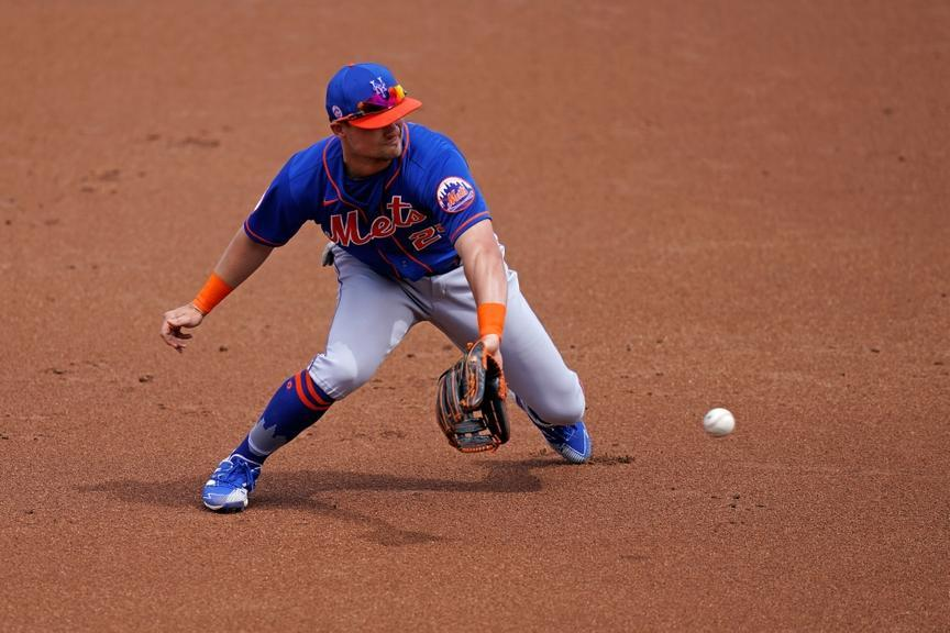 Mar 8, 2021; West Palm Beach, Florida, USA; New York Mets third baseman J.D. Davis (28) fields the ground ball hit by Washington Nationals center fielder Victor Robles (16, not pictured) in the 1st inning of the spring training game at The Ballpark of the Palm Beaches. Mandatory Credit: Jasen Vinlove-USA TODAY Sports