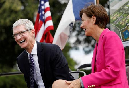 Apple to invest $1.3B in Iowa