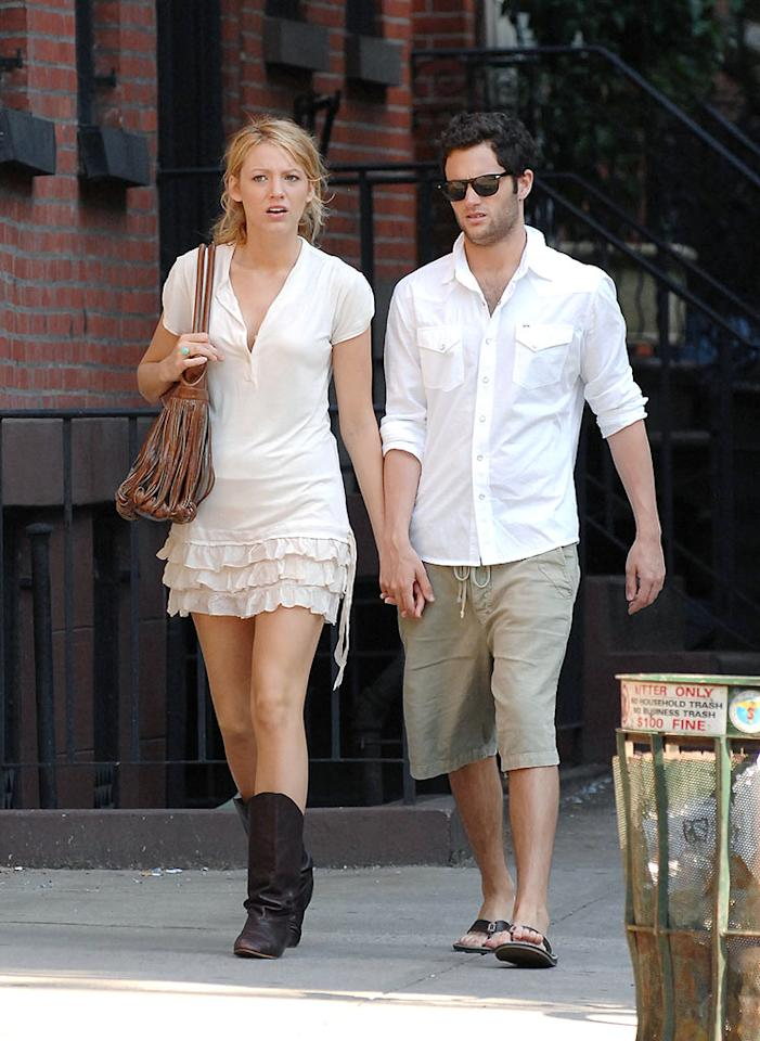 """Gossip Girl"" lead Blake Lively and her costar/boyfriend Penn Badgley recently took their romance public. Didn't they see what happened to Rachel Bilson and Adam Brody, or Katie Holmes and Joshua Jackson? Mixing business and pleasure is never a good idea. Ron Asadorian/<a href=""http://www.splashnewsonline.com"" target=""new"">Splash News</a> - May 26, 2008"
