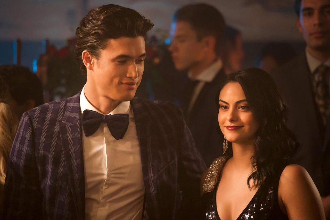 "<p>During season three, Veronica briefly got together with Reggie. At the same time, Camila Mendes and Charles Melton developed a romance offscreen. The pair dated for more than a year before <a href=""https://www.popsugar.com/celebrity/camila-mendes-and-charles-melton-break-up-46976268"" class=""ga-track"" data-ga-category=""Related"" data-ga-label=""http://www.popsugar.com/celebrity/camila-mendes-and-charles-melton-break-up-46976268"" data-ga-action=""In-Line Links"">splitting in December 2019</a>. </p>"