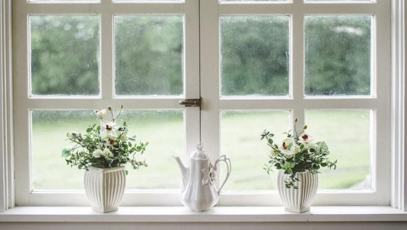 How to Naturally Keep Your House Cool in Summer Without Using Air Conditioners? From Adding Window Plants to Turning Off the Lights, Genius Tips to Keep the Room Temperature Down