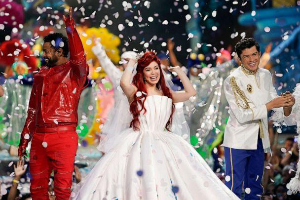 PHOTO: Shaggy, left, as Sebastian, Auli'i Cravalho, center, as Ariel, and Graham Phillips, right, as Prince Eric, perform in the spectacular, live musical event showcasing 'The Little Mermaid' on ABC. (Mitch Haaseth/ABC)
