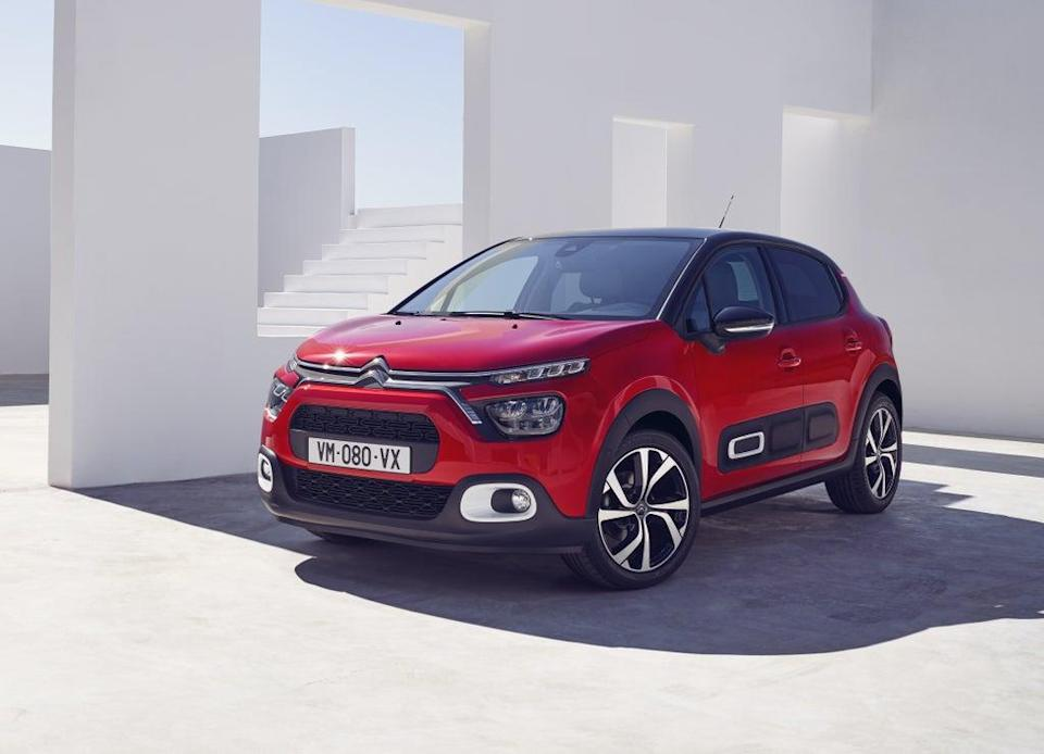 The three-cylinder engine has to be worked hard to get even modest performance out of it, the gears are a touch vague, the clutch is ridiculously long and it rolls around a fair bit, and that's all great (Citroën)