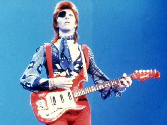 Pictorial proof that Ziggy did indeed play guitar (Rex)