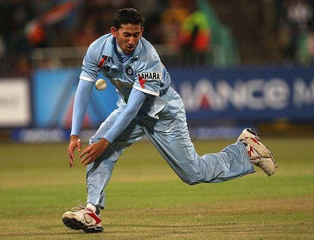DURBAN, SOUTH AFRICA - SEPTEMBER 14: Ajit Agarkar of India drops a catch from Shahid Afridi of Pakistan during the ICC Twenty20 Cricket World Championship match between India and Pakistan at Kingsmead on September 14, 2007 in Durban, South Africa. (Photo by Hamish Blair/Getty Images)