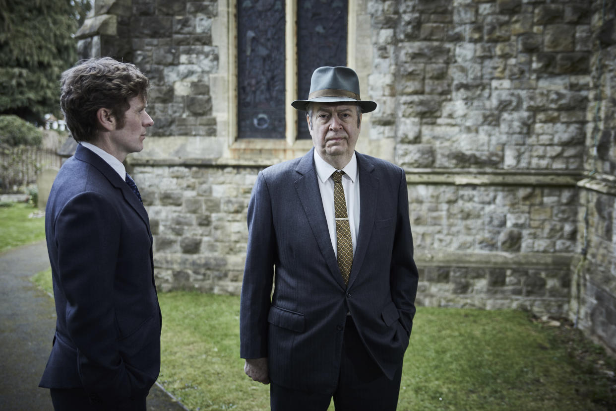 MAMMOTH SCREEN FOR ITV ENDEAVOUR VIII Film 2  Pictured:SHAUN EVANS as Endeavour and ROGER ALLAM as DI Fred Thursday.    This image is under copyright and may only be used in relation to ENDEAVOUR.Any further use must be agreed with the ITV Picture Desk.    For further information please contact: Patrick.smith@itv.com 07909906963