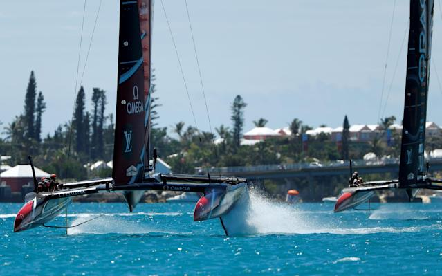Sailing - America's Cup finals - Hamilton, Bermuda - June 25, 2017 - Team Emirates New Zealand leads Oracle Team USA in race eight of America's Cup finals . REUTERS/Mike Segar