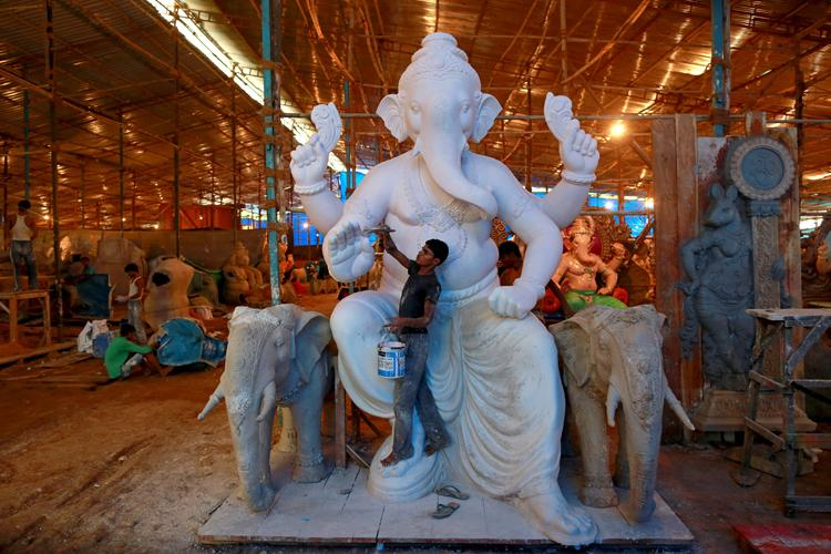 Ganesh Chaturthi: Bombay HC Wants BMC to Get Rid of All Illegal Pandals