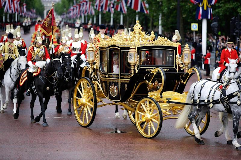 Carriage: Trump wants to ride with the Queen in the Gold-plated carriage down the Mall