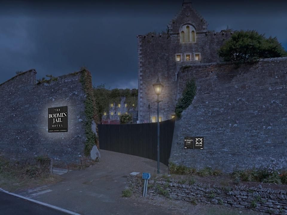 Car Park Entrance_Night - Bodmin Jail Hotel