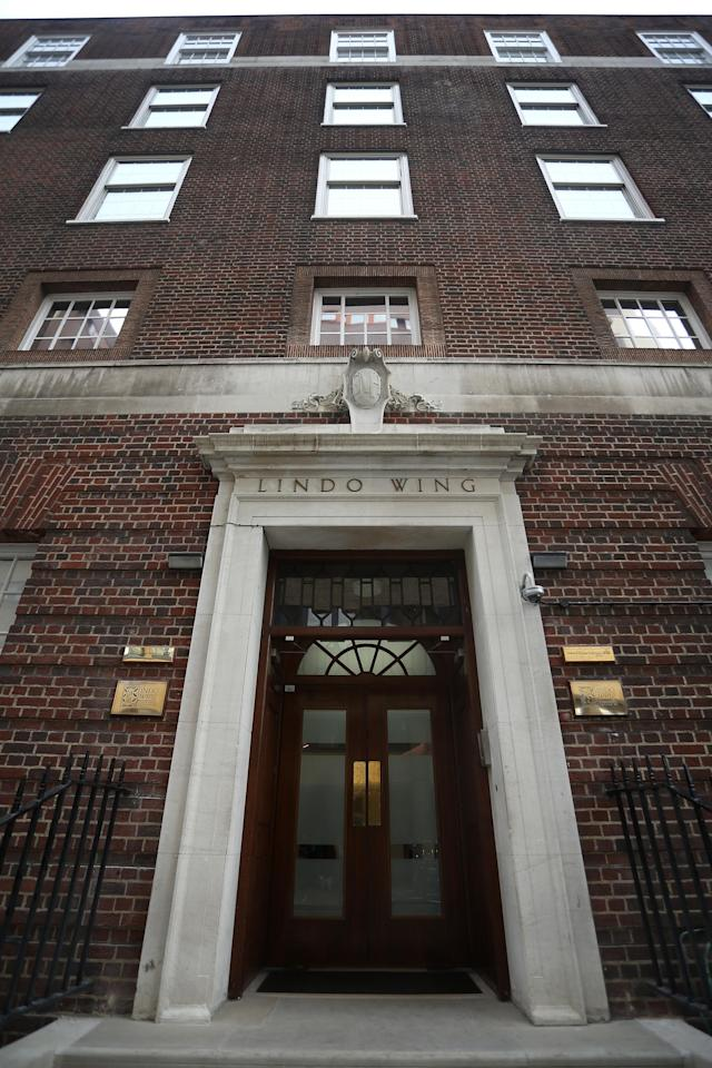 LONDON, ENGLAND - JULY 02: A general view of the Lindo Wing of St Mary's Hospital as the UK prepares for the birth of the first child of The Duke and Duchess of Cambridge at St Mary's Hospital on July 2, 2013 in London, England. (Photo by Jordan Mansfield/Getty Images)