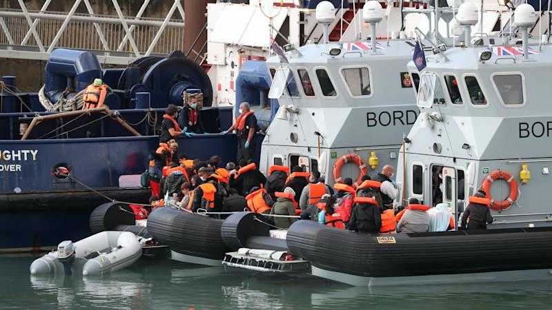 Huge wave of migrants reach UK in new single-day record