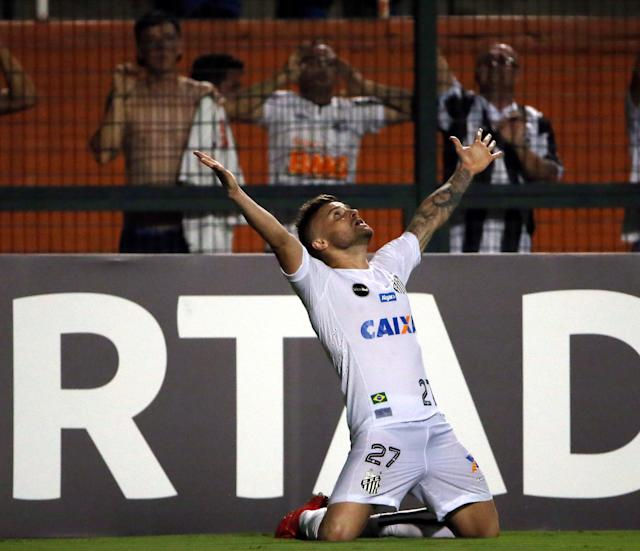 Soccer Football - Brazil's Santos v Uruguay's Nacional - Copa Libertadores - Pacaembu Stadium, Sao Paulo, Brazil - March 15, 2018. Eduardo Sasha of Santos reacts after scoring a goal. REUTERS//Paulo Whitaker