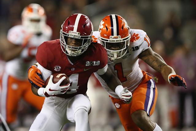 "Alabama receiver Jerry Jeudy is chased by Clemson's Isaiah Simmons during the College Football Playoff National Championship game on Jan. 7. <span class=""copyright"">(Ezra Shaw / Getty Images)</span>"
