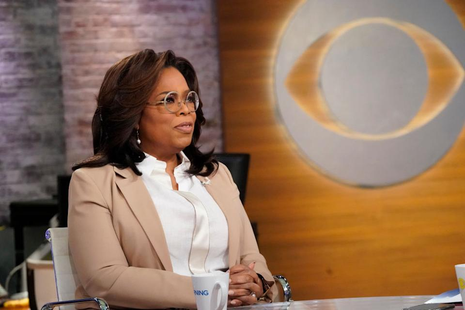 NEW YORK - JANUARY 21: Oprah Winfrey with author Jeanine Cummins Gayle King, Anthony Mason and Tony Dokoupil Co-Hosts of CBS THIS MORNING. (Photo by CBS via Getty Images)