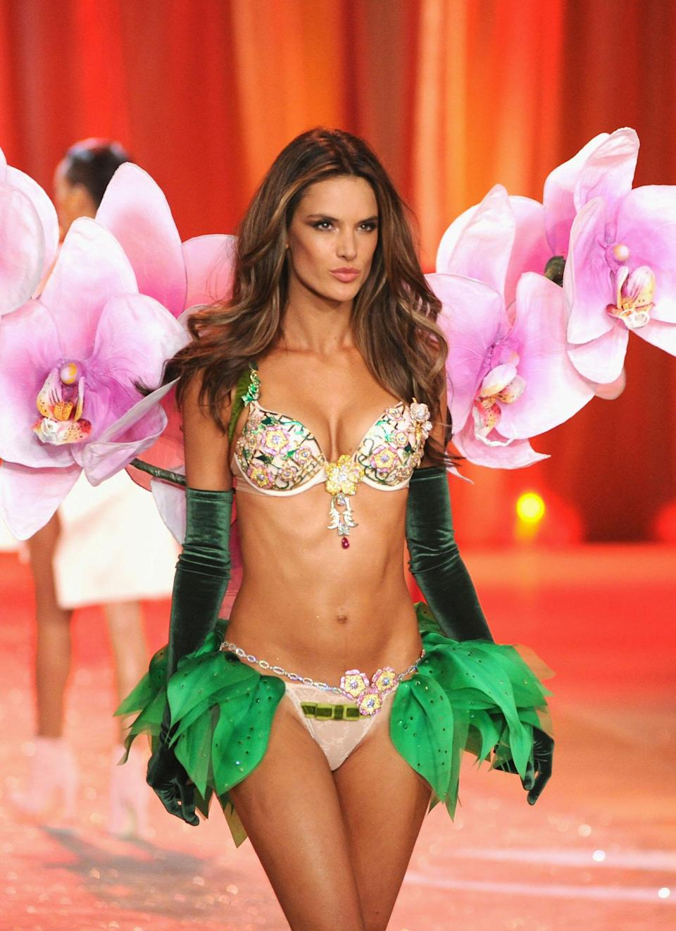 <p>The $2.5 million Floral Fantasy Bra was worn by the top Brazillian model during the 2012 show, held in NYC. <em>[</em><em>Photo: Getty]</em> </p>