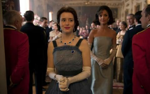 The Queen and Jackie Kennedy in Season 2 of The Crown, shortly before a scene where the monarch introduces the First Lady to her Corgis