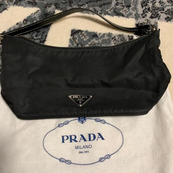 Prada purse (Photo: Poshmark)