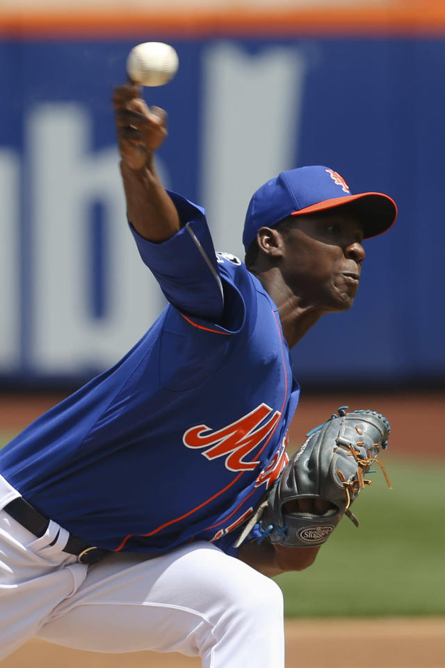New York Mets starting pitcher Rafael Montero throws during the first inning of a baseball game against the Chicago Cubs at Citi Field, Sunday, Aug. 17, 2014, in New York. (AP Photo/John Minchillo)