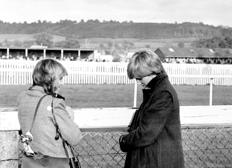 Camilla and Diana at Ludlow Racecourse in 1980 (Picture: PA)