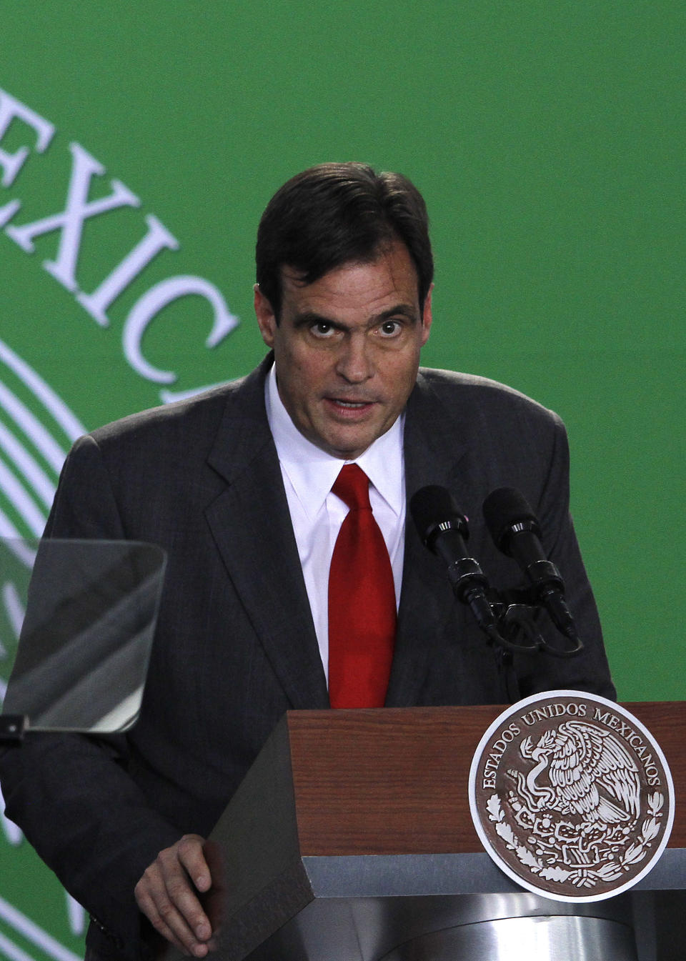 Brian Smith, president of Coca Cola Company Latin America, speaks during the unveiling of Mexico's strategy to combat diabetes and obesity in Mexico City, Thursday, Oct. 31, 2013. (AP Photo/Marco Ugarte)