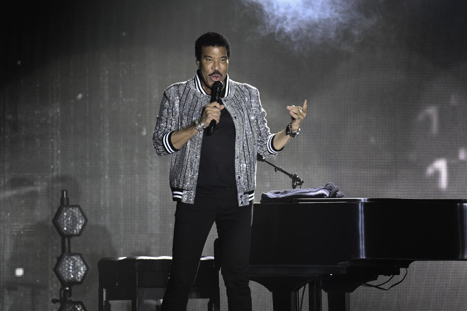 HOLLYWOOD, FL- JUNE 20: (FILE) Lionel Richie turns 71 years old today. Photo taken at Hard Rock Event Center, Hollywood, Florida on July 27, 2018. (Photo by Ron Elkman/USA TODAY NETWORK/Sipa USA)