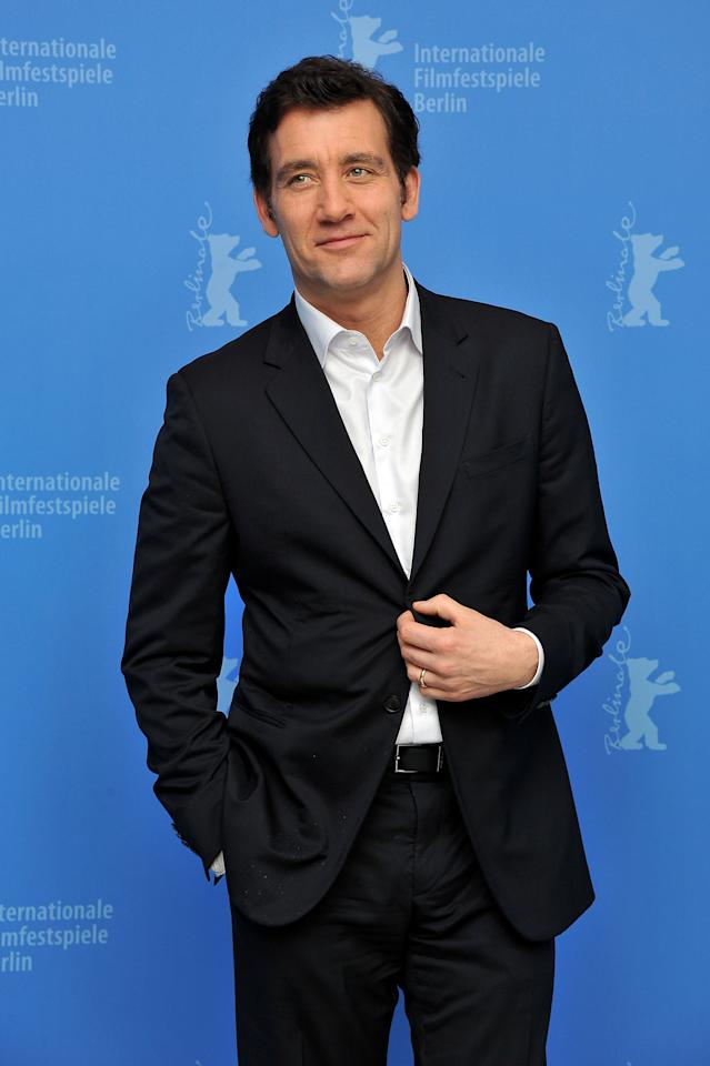 """BERLIN, GERMANY - FEBRUARY 12:  Actor Clive Owen attends the """"Shadow Dancer"""" Photocall during day four of the 62nd Berlin International Film Festival at the Grand Hyatt on February 12, 2012 in Berlin, Germany.  (Photo by Pascal Le Segretain/Getty Images)"""