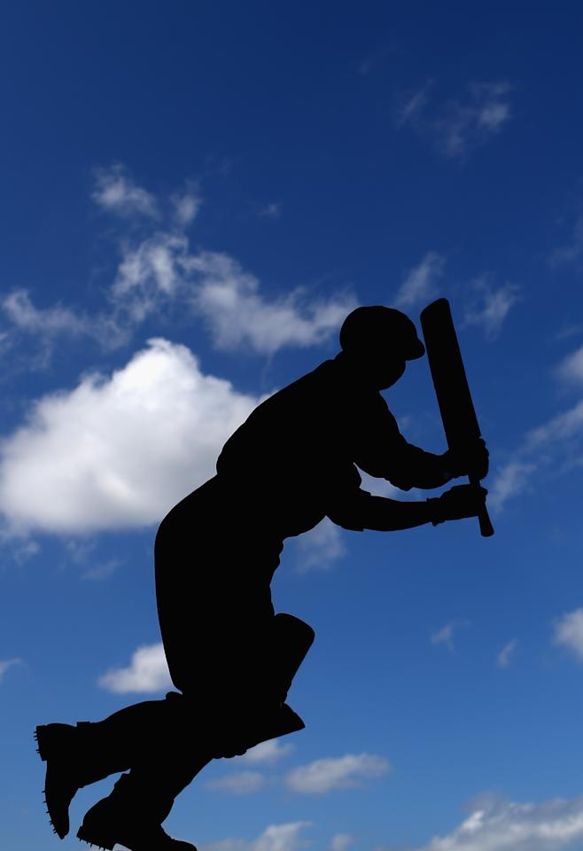 MELBOURNE, AUSTRALIA - DECEMBER 26:  A statue of former Australian player Bill Ponsford is seen during day one of the Second Test match between Australia and Sri Lanka at the Melbourne Cricket Ground on December 26, 2012 in Melbourne, Australia.  (Photo by Ryan Pierse/Getty Images)