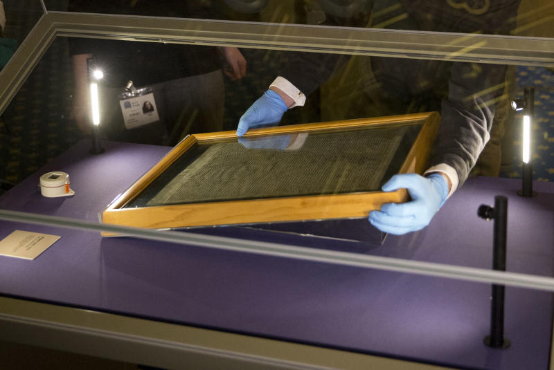 Man tries to steal Magna Carta from Salisbury Cathedral