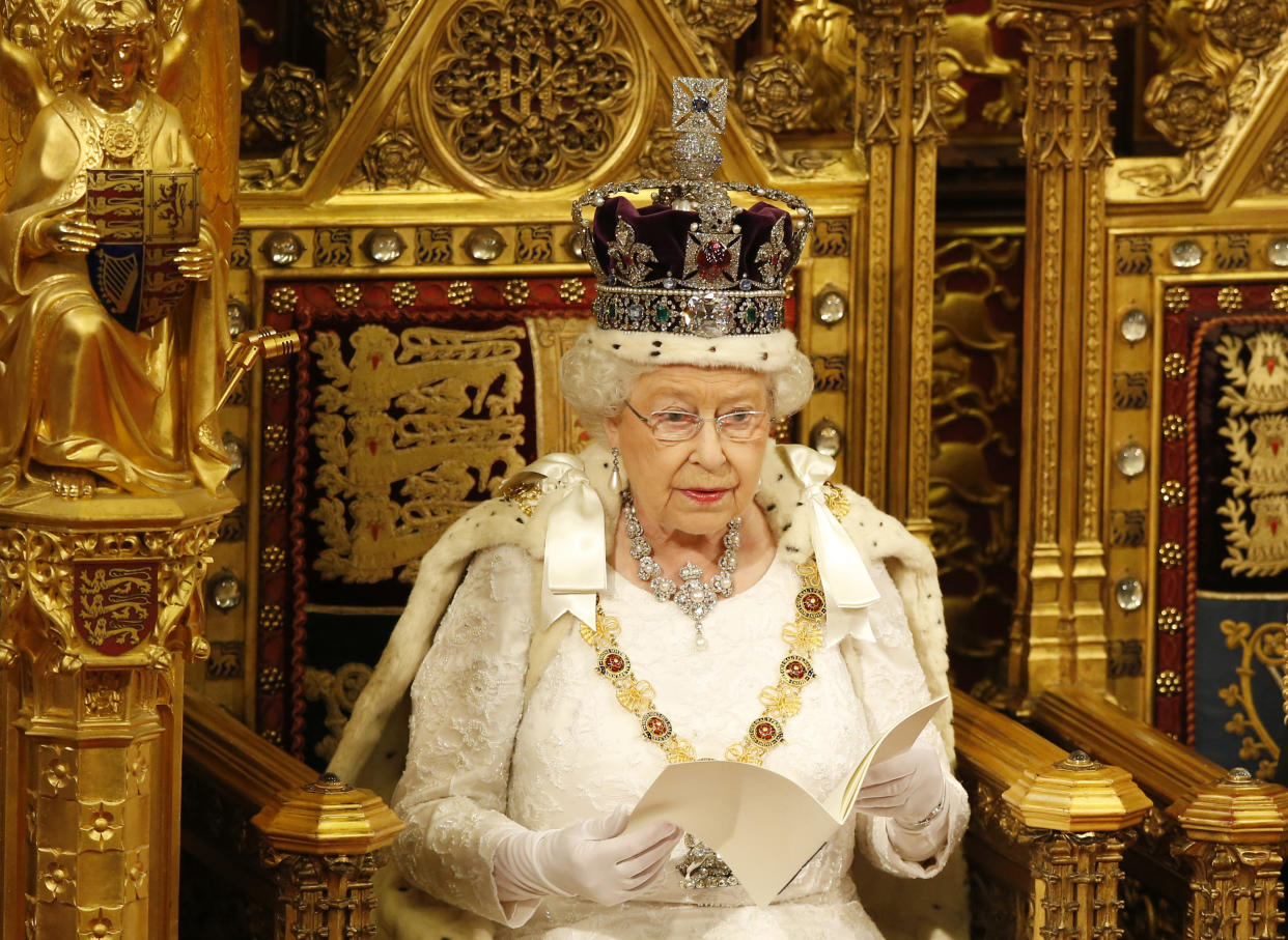 Britain's Queen Elizabeth reads the Queen's Speech during the State Opening of Parliament in the House of Lords in London, Britain May 18, 2016.  REUTERS/Alastair Grant/Pool