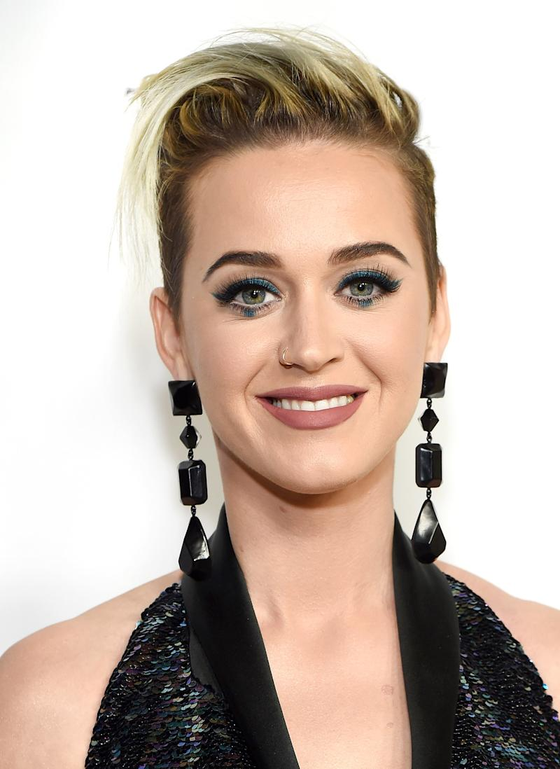 Katy Perry's Dot Eyeliner Is the Perfect Example of the Spring Eye Makeup Trend