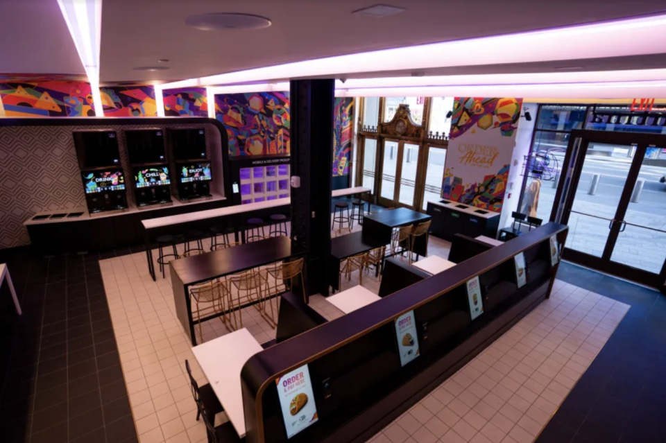 The new Taco Bell in New York City's Times Square is all about the touchscreens.