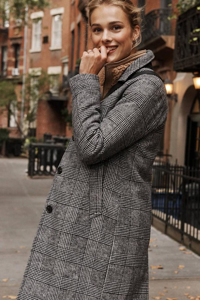 """<p>With a little borrowed-from-the-boys effect, this Abercrombie coat will be great for transitioning from Fall to Winter.</p> <p><a href=""""https://www.popsugar.com/buy/Abercrombie-Wool-Blend-Dad-Coat-517887?p_name=Abercrombie%20Wool-Blend%20Dad%20Coat&retailer=abercrombie.com&pid=517887&price=220&evar1=fab%3Aus&evar9=46902505&evar98=https%3A%2F%2Fwww.popsugar.com%2Ffashion%2Fphoto-gallery%2F46902505%2Fimage%2F46902518%2FAbercrombie&prop13=mobile&pdata=1"""" rel=""""nofollow"""" data-shoppable-link=""""1"""" target=""""_blank"""" class=""""ga-track"""" data-ga-category=""""Related"""" data-ga-label=""""https://www.abercrombie.com/shop/us/p/wool-blend-dad-coat-32316819?categoryId=12252&amp;seq=03&amp;faceout=life"""" data-ga-action=""""In-Line Links"""">Abercrombie Wool-Blend Dad Coat</a> ($220)</p>"""