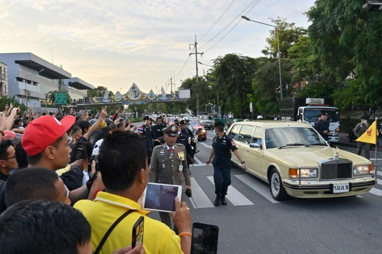 Five pro-democracy activists in Thailand have been charged for violence against the queen, after her motorcade drove through protests last year