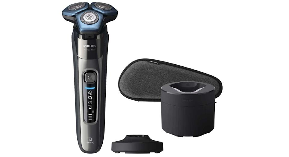 Philips Series 7000 Wet & Dry Electric Shaver with Charging Station