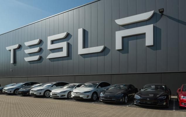 Falling Earnings Estimates Signal Weakness Ahead for Tesla (TSLA)