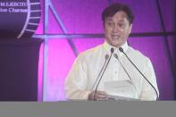 MMDA Chairman Francis Tolentino addresses the audience of the 38th MMFF Awards night.