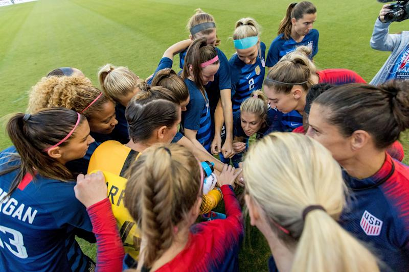 SAN JOSE, CA - SEPTEMBER 04: The US Women's National Team huddles pregame before the United States Women's National Team against Chile on September 4, 2018, at Avaya Stadium in San Jose, CA. (Photo by Bob Kupbens/Icon Sportswire via Getty Images)