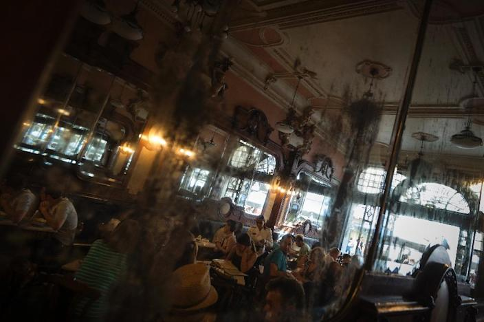 Cafe Majestic, a famed belle epoque cultural haunt for the Porto's intelligentsia (AFP Photo/Miguel Riopa)
