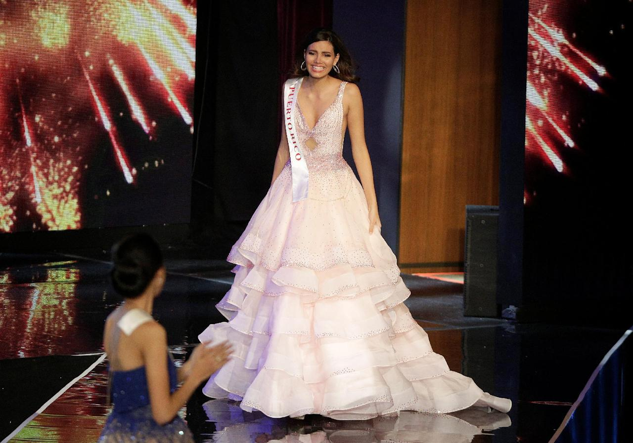 <p>Miss Puerto Rico Stephanie Del Valle walks after winning the Miss World 2016 Competition in Oxen Hill, Maryland, U.S., December 18, 2016. REUTERS/Joshua Roberts </p>