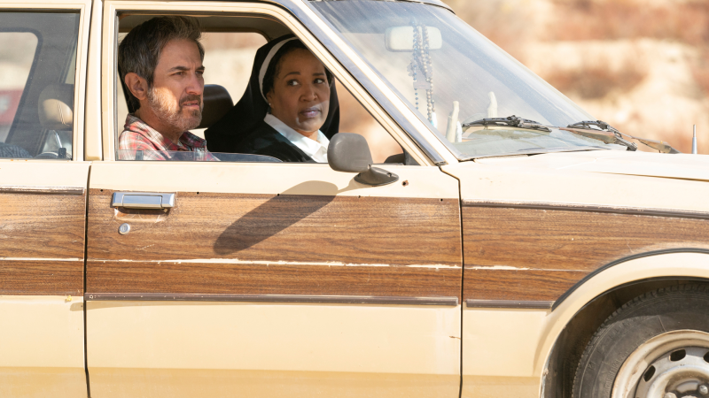 Ray Romano and Kym Whitley in Made For Love