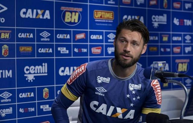 Rafael Sobis negocia com outras equipes e pode sair da toca da Raposa (Foto: Washington Alves/Light Press/Cruzeiro)