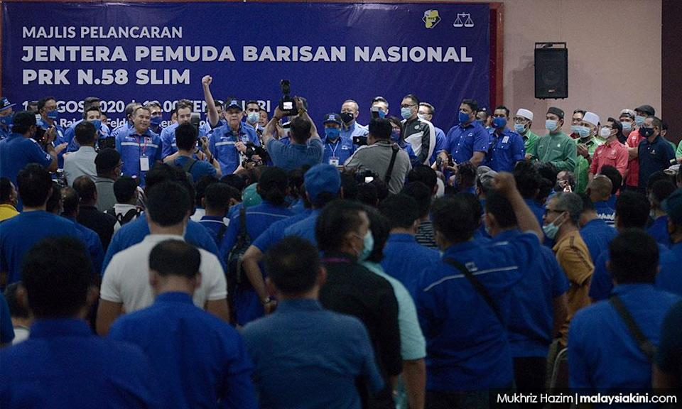 Bersatu Youth booed at BN event, told to prove their worth to Umno's Slim candidate