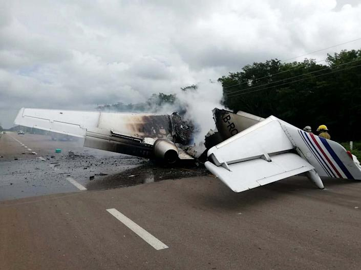 A plane has been found on fire in Mexico in the middle of a highway: EPA