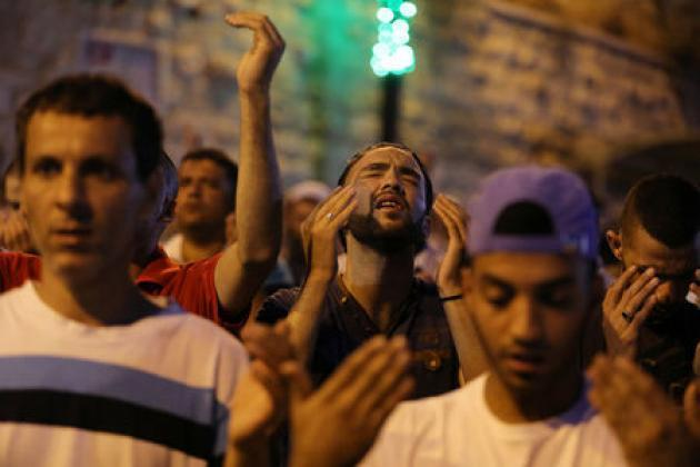 U.N. warns of escalation if no Jerusalem mosque solution by Friday
